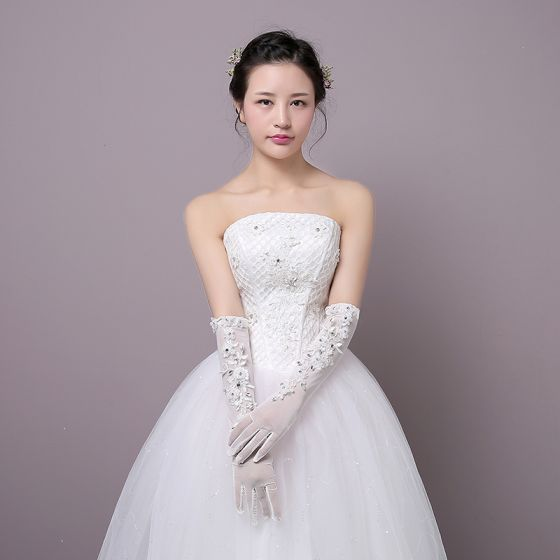 Chic / Beautiful White Wedding 2018 Lace-up Beading Tulle Crystal Bridal Gloves