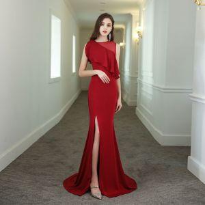 Chic / Belle Couleur Unie Rouge Robe De Soirée 2020 Trompette / Sirène Encolure Dégagée Sans Manches Fendue devant Train De Balayage Robe De Ceremonie