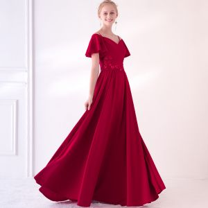 Charming Burgundy Evening Dresses  2018 A-Line / Princess Spaghetti Straps Strapless Short Sleeve Appliques Lace Sequins Court Train Ruffle Backless Formal Dresses