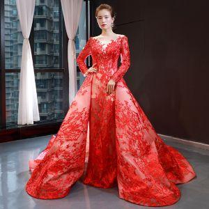 Luksusowe Czerwone Czerwony dywan Sukienki Wieczorowe 2020 Princessa Przezroczyste Wycięciem Długie Rękawy Aplikacje Z Koronki Frezowanie Perła Trenem Kaplica Sukienki Wizytowe