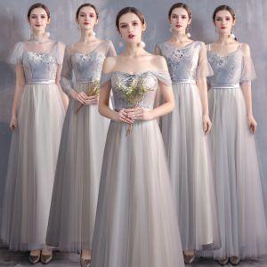 Asequible Champán Gris Vestidos De Damas De Honor 2020 A-Line / Princess Apliques Con Encaje Cinturón Largos Ruffle Vestidos para bodas