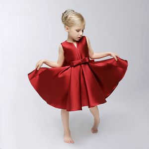 Chic / Beautiful Church Wedding Party Dresses 2017 Flower Girl Dresses Burgundy Short Ball Gown Bow Sash Cascading Ruffles V-Neck Sleeveless