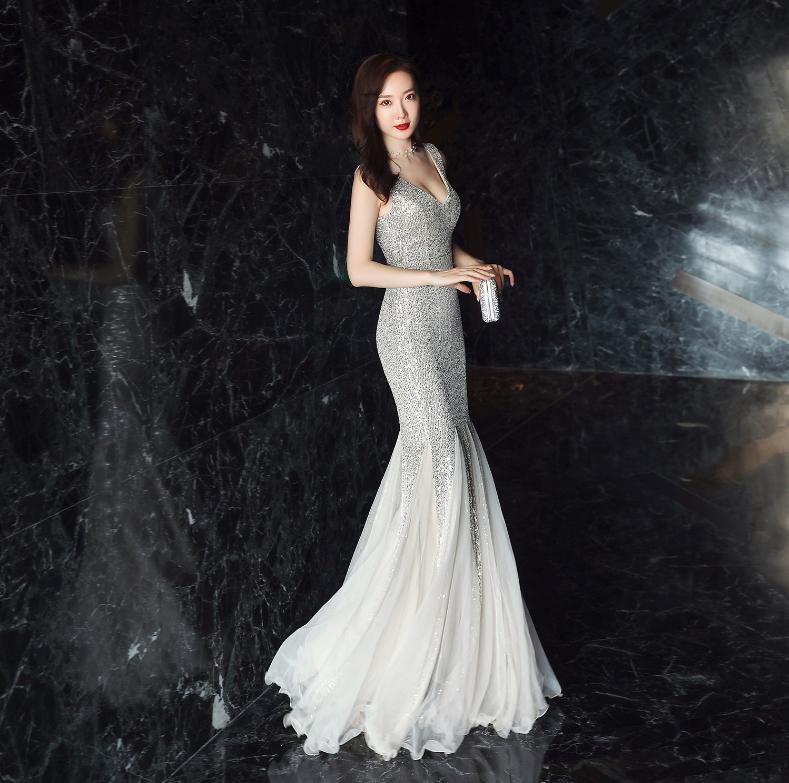 3ae3c65d436c1 Modern / Fashion Silver Evening Dresses 2019 Trumpet / Mermaid V-Neck  Sequins Sash Sleeveless Backless Floor-Length / Long Formal Dresses