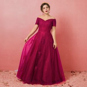 Modest / Simple Burgundy Plus Size Evening Dresses  2018 A-Line / Princess Tulle Short Sleeve Appliques Backless Beading Strapless Evening Party Formal Dresses