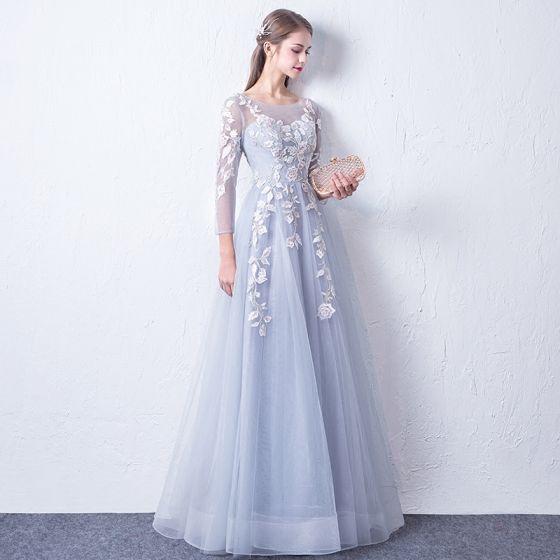 Snygga   Fina Silver Genomskinliga Aftonklänningar 2018 Prinsessa Urringning  Långärmad Appliqués Spets Långa Ruffle Halterneck Formella Klänningar 97d2a62dfa2e0