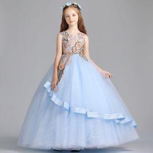 Chic / Belle Bleu Ciel Robe Ceremonie Fille 2019 Princesse Encolure Dégagée Sans Manches Brodé Fleur Perle Paillettes Longue Volants Robe Pour Mariage