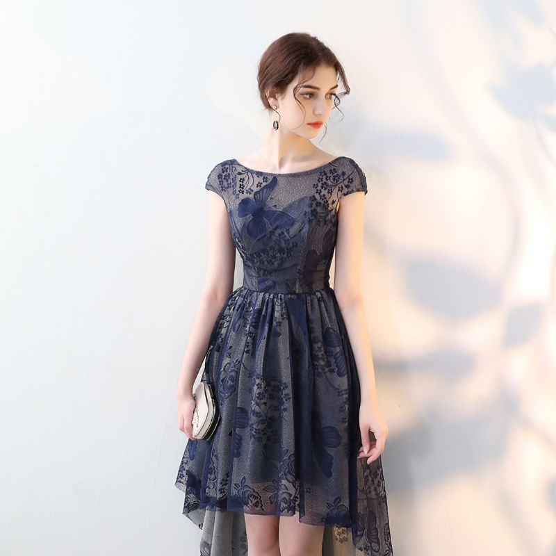 Élégant Bleu Marine Robe De Cocktail 2018 Princesse Dentelle Encolure Dégagée Dos Nu Asymétrique Robe De Ceremonie