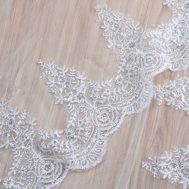 Modest / Simple White 2017 Tulle Lace Wedding Appliques Wedding Veils