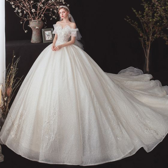 Chic / Beautiful Champagne Bridal Wedding Dresses 2020 Ball Gown Off-The-Shoulder Short Sleeve Backless Glitter Tulle Appliques Lace Sequins Beading Cathedral Train Ruffle