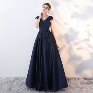 Classic Navy Blue Prom Dresses 2017 A-Line / Princess Lace Flower Crystal Sequins V-Neck Backless Sleeveless Sweep Train Formal Dresses