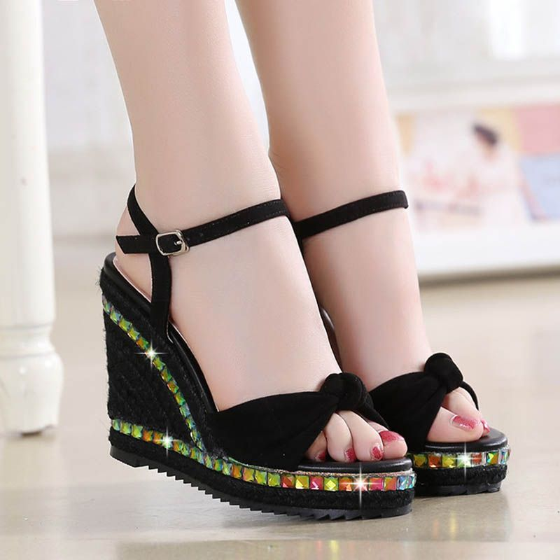 Modern / Fashion Outdoor / Garden Womens Sandals 2017 PU Braid Bow Rivet Open / Peep Toe Sandals