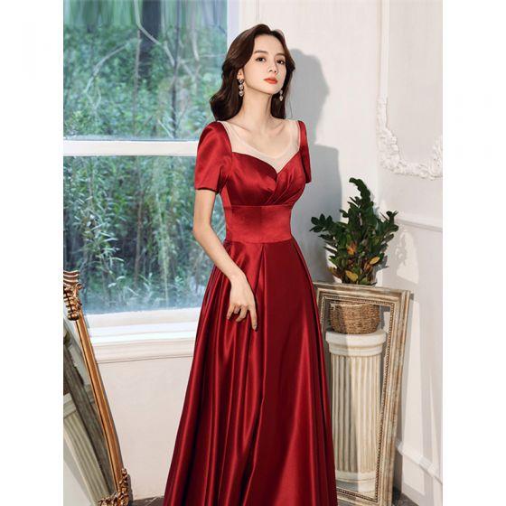 Elegant Bourgogne Satin Selskabskjoler 2021 Prinsesse Bælte Scoop Neck Kort Ærme Halterneck Te-længde Selskabs Kjoler