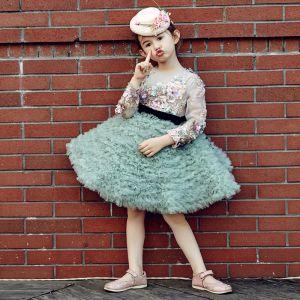 Schöne Kirche Kleider Für Hochzeit 2017 Mädchenkleider Grün Ballkleid Knielang Plissee Rundhalsausschnitt Lange Ärmel Blumen Applikationen Perlenstickerei Pailletten