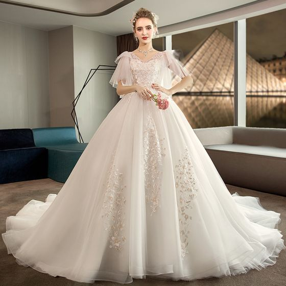 Affordable Ivory Pregnant Wedding Dresses 2019 Empire V-Neck 1/2 Sleeves Backless Appliques Lace Chapel Train Ruffle