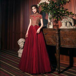 Vintage / Retro Burgundy Prom Dresses 2020 A-Line / Princess High Neck Gold Lace Short Sleeve Backless Floor-Length / Long Formal Dresses