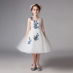 Chic / Beautiful Ivory See-through Flower Girl Dresses 2019 A-Line / Princess Scoop Neck Sleeveless Embroidered Knee-Length Ruffle Wedding Party Dresses