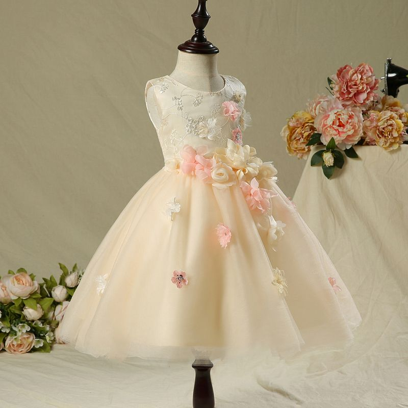 Chic / Beautiful Hall Wedding Party Dresses 2017 Flower Girl Dresses Champagne Knee-Length Ball Gown Scoop Neck Sleeveless Artificial Flowers Appliques Pearl Sequins