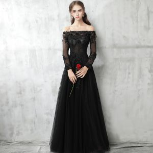 Chic / Beautiful Black Evening Dresses  2017 A-Line / Princess Off-The-Shoulder Long Sleeve Appliques Lace Pearl Floor-Length / Long Pierced Backless Formal Dresses