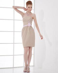 Novia Plisada Vestido De Cóctel De Longitud Del Muslo De Satén De Moda
