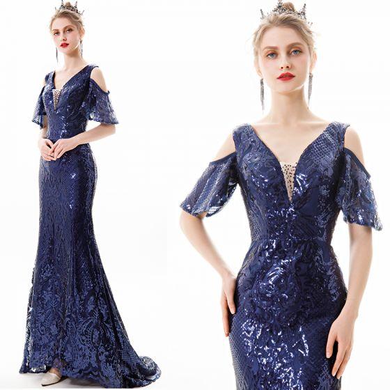 Sparkly Solid Color Navy Blue Evening Dresses  2019 Trumpet / Mermaid V-Neck Sequins Short Sleeve Backless Sweep Train Formal Dresses