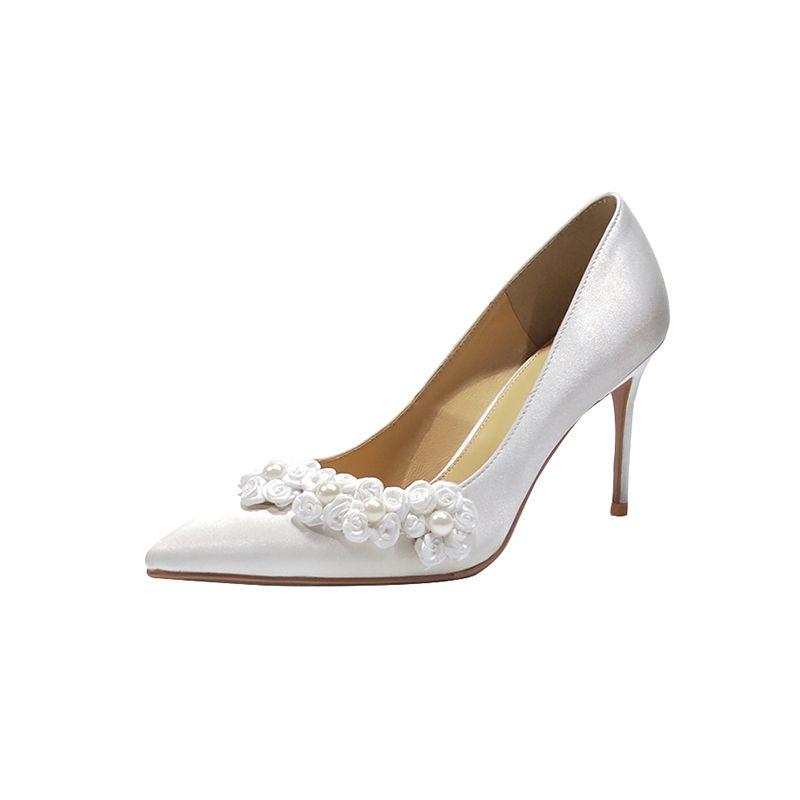 Modern / Fashion White Wedding Bridesmaid Pumps 2020 Leather Satin Appliques Pearl 8 cm Stiletto Heels Pointed Toe Wedding Shoes