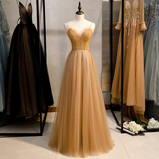 Snygga / Fina Guld Aftonklänningar 2020 Prinsessa Spaghettiband Beading Pärla Paljetter Ärmlös Halterneck Långa Formella Klänningar