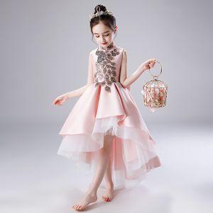 Schöne Rosa Satin Blumenmädchenkleider 2020 A Linie Stehkragen Ärmellos Schleife Pailletten Perlenstickerei Asymmetrisch Rüschen Kleider Für Hochzeit