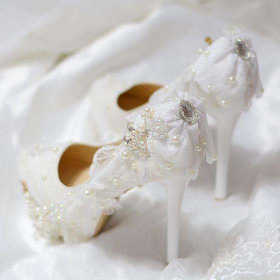 Elegant Ivory Wedding Shoes 2019 Lace Bow Crystal Pearl 14 cm Stiletto Heels Round Toe Wedding Pumps