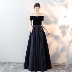 Modest / Simple Navy Blue Evening Dresses  2018 A-Line / Princess Suede Off-The-Shoulder Backless Sleeveless Floor-Length / Long Formal Dresses