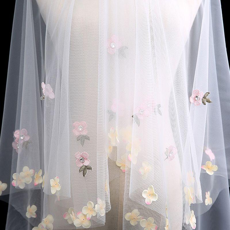 Charming White Short Wedding Veils Appliques Flower Chiffon Wedding Accessories 2019