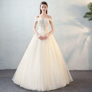 Hermoso Marfil Vestidos De Novia 2018 A-Line / Princess Con Encaje Apliques Perla Bowknot Fuera Del Hombro Sin Espalda Largos Boda