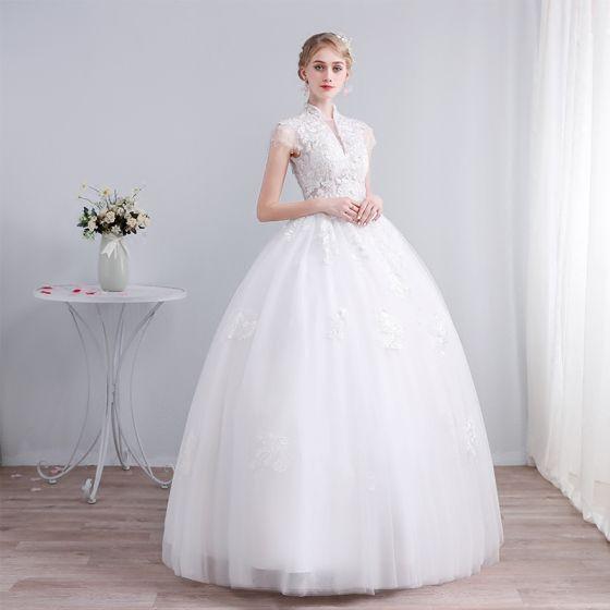 Elegantes Blanco Vestidos De Novia 2019 Ball Gown Cuello Alto Con Encaje Flor Lentejuelas Manga Corta Sin Espalda Largos