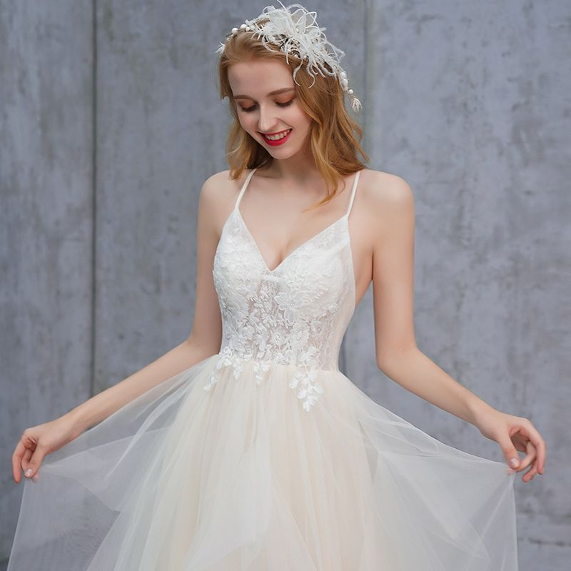 Affordable Champagne Summer Beach Wedding Dresses 2019 A-Line / Princess Spaghetti Straps Sleeveless Backless Appliques Lace Sweep Train Cascading Ruffles
