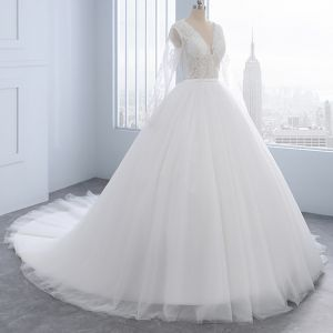 Modern / Fashion Ivory Wedding Dresses 2018 A-Line / Princess Beading Pearl Lace Flower Scoop Neck Long Sleeve Court Train Wedding