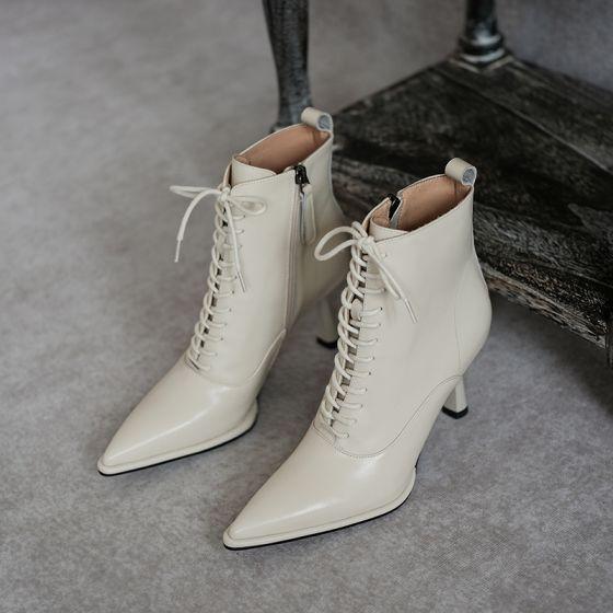 Moda Invierno Beige Ropa de calle Botas de mujer 2020 Cuero 7 cm Stilettos / Tacones De Aguja Punta Estrecha Botas