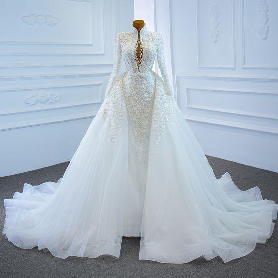 Luksusowe Białe ślubna Suknie Ślubne 2020 Suknia Balowa Przezroczyste Głęboki V-Szyja Długie Rękawy Bez Pleców Aplikacje Z Koronki Frezowanie Perła Trenem Kaplica Wzburzyć