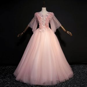 Amazing / Unique Blushing Pink Floor-Length / Long Prom Dresses 2018 V-Neck Tulle Feather Appliques Backless Beading Ball Gown Prom Formal Dresses