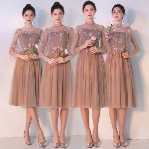 Eleganckie Khaki Przezroczyste Sukienki Dla Druhen 2019 Princessa Aplikacje Z Koronki Długość Herbaty Wzburzyć Bez Pleców Sukienki Na Wesele