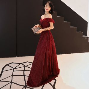 Chic / Beautiful Burgundy Evening Dresses  2019 A-Line / Princess Off-The-Shoulder Short Sleeve Glitter Polyester Sweep Train Ruffle Backless Formal Dresses