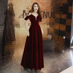 Chic / Beautiful Burgundy Evening Dresses  2019 A-Line / Princess Spaghetti Straps Suede Bow Short Sleeve Backless Floor-Length / Long Formal Dresses