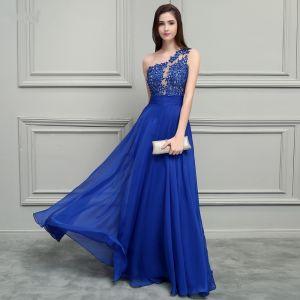 Glamourös Königliches Blau Chiffon Abendkleider 2019 A Linie One-Shoulder Ärmellos Applikationen Spitze Perlenstickerei Lange Rüschen Rückenfreies Festliche Kleider