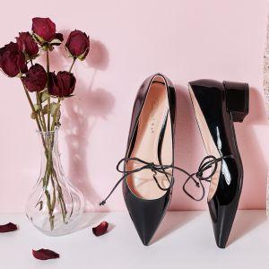 Charmant Noire Rendez-vous Chaussures Femmes 2019 Cuir Verni Noeud 4 cm Talons Épais À Bout Pointu Petit Talon Escarpins
