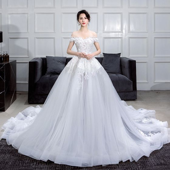 Summer Wedding Dress.Romantic White Summer Wedding Dresses 2019 Ball Gown Off The Shoulder Short Sleeve Backless Appliques Lace Flower Pearl Rhinestone Chapel Train Ruffle