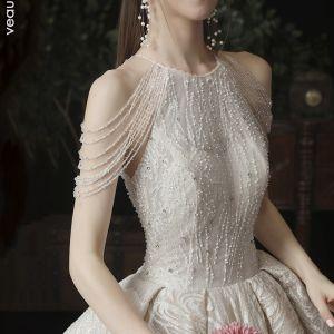 Beste Champagner Brautkleider / Hochzeitskleider 2020 A Linie Rundhalsausschnitt Ärmellos Rückenfreies Glanz Tülle Perlenstickerei Kathedrale Schleppe Rüschen