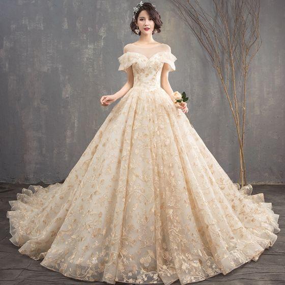 Luxus / Herrlich Champagner Brautkleider 2018 Ballkleid Mit Spitze Rundhalsausschnitt Rückenfreies Kurze Ärmel Königliche Schleppe Hochzeit