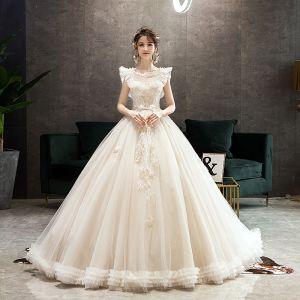 Style Audrey Hepburn Champagne Robe De Mariée 2019 Princesse Volants Encolure Dégagée Perlage En Dentelle Fleur Sans Manches Dos Nu Longue