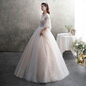 Illusion Champagner Durchsichtige Brautkleider / Hochzeitskleider 2019 A Linie Rundhalsausschnitt 3/4 Ärmel Rückenfreies Applikationen Spitze Perlenstickerei Glanz Tülle Lange Rüschen