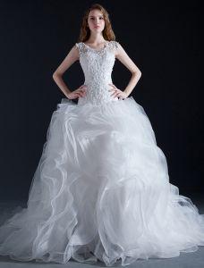 Balklänning Urringning Cascading Rufsa Organza Brudklänning Med Spets