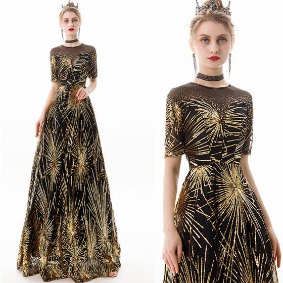Schöne Schwarz Gold Abendkleider 2019 A Linie Rundhalsausschnitt Pailletten Strass Kurze Ärmel Lange Festliche Kleider