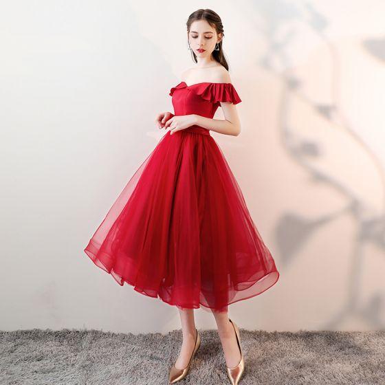 Chic / Beautiful Burgundy Homecoming Graduation Dresses 2018 A-Line / Princess Sash Off-The-Shoulder Backless Sleeveless Tea-length Formal Dresses